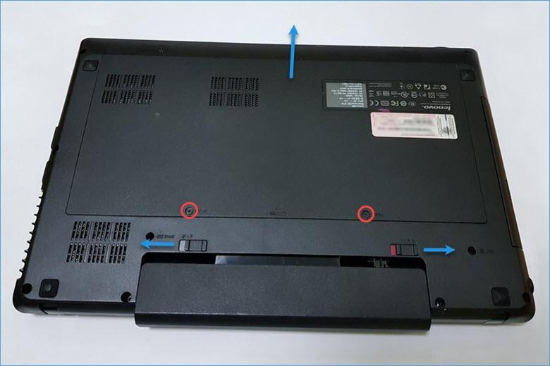 Снять батарею в Lenovo G580